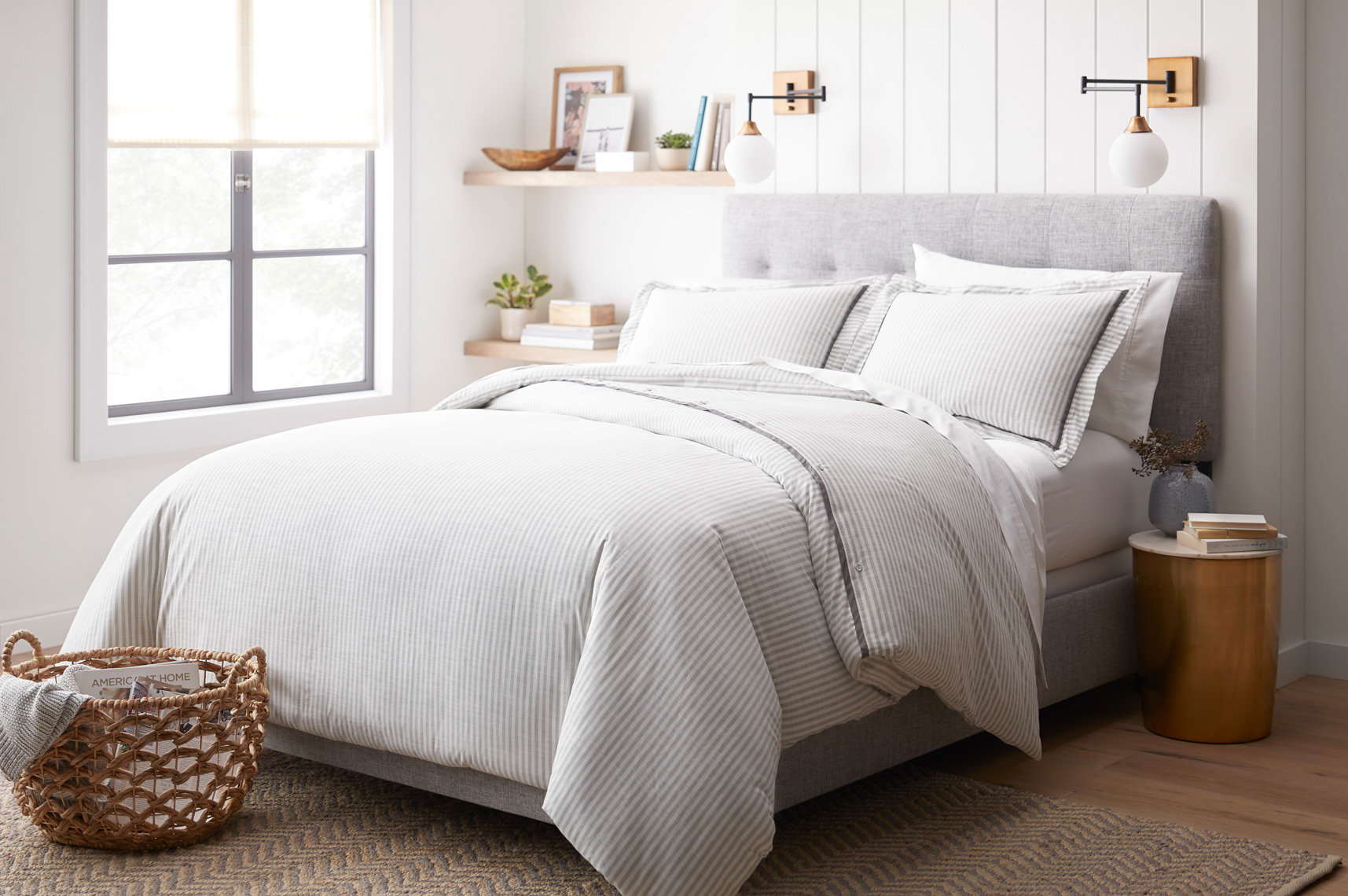 1435_THR-FQ-Yarn-Dye-Stripe-Duvet-Sham-Set-Gray_1140H